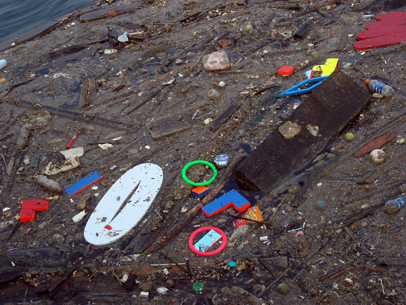 Litter 80 Plastic Drink Containers Covers An Island In The Catawba