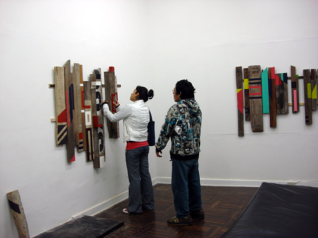 Pieces # 1 and 2 in the first room, at 23h04