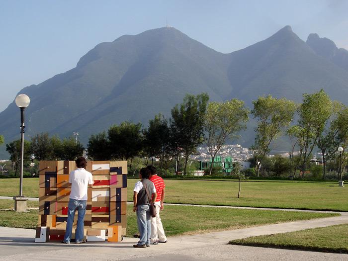 Luego lo instalamos en el Parque Fundidora.