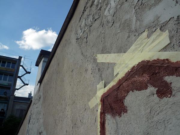 Punto más alto de la pintada en la fachada oeste