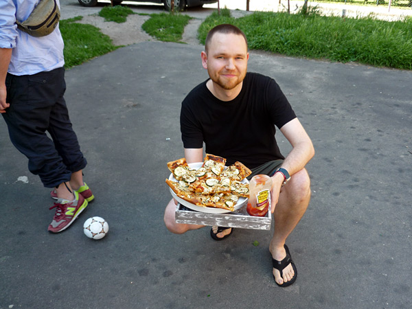Maciek, Marta's husband, and his incredibly delicious pizzas!